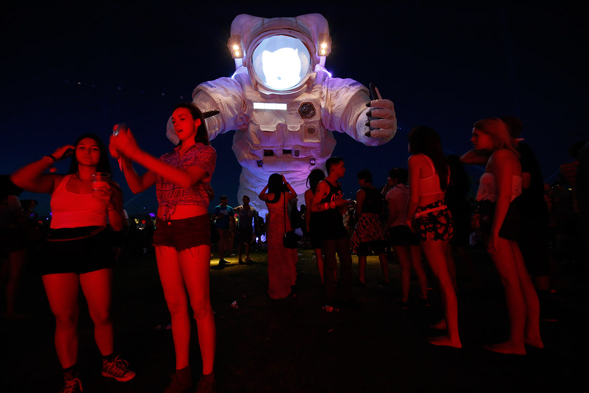 coachella spaceman