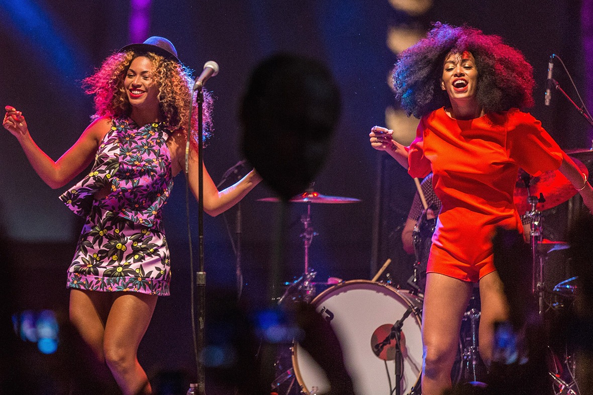 Beyonce performs with her sister Solange