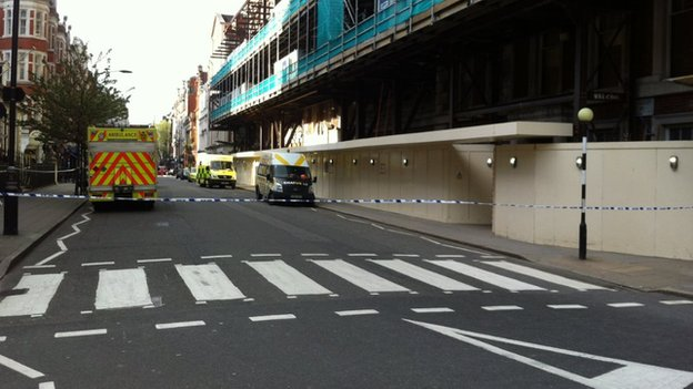 Man Dies in Mayfair