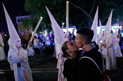 seville kiss