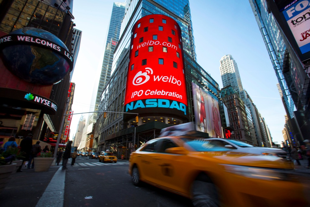 China's Twitter Weibo Surges 19% in Nasdaq Debut