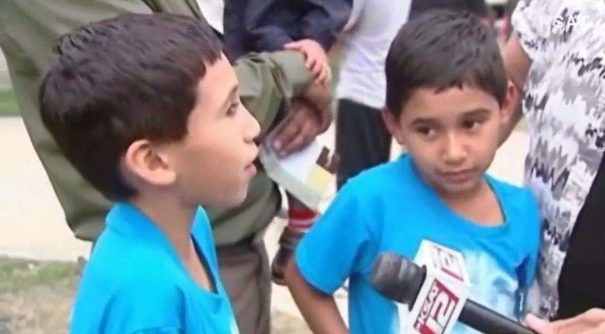 Twins Fight off Carjacker