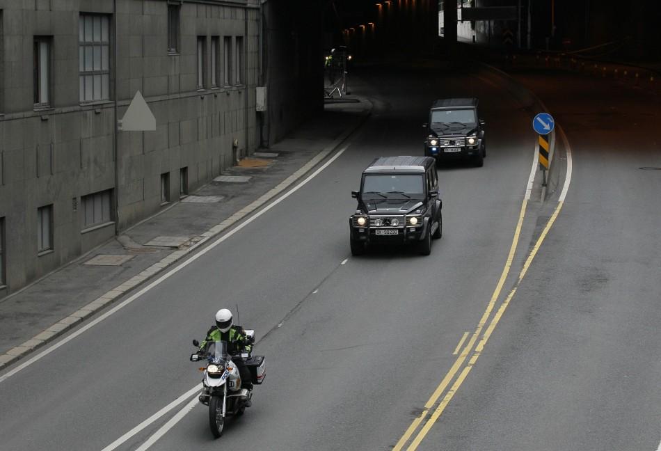 Convoy believed to be transporting Anders Behring Breivik leaves court in Oslo