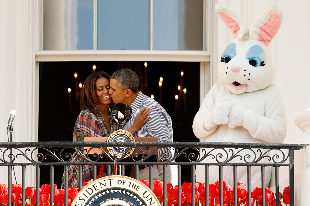 easter obama kiss