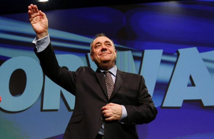 SNP leader Alex Salmond insists and independent Scotland would join the EU and keep the pound sterling in a currency union with the UK