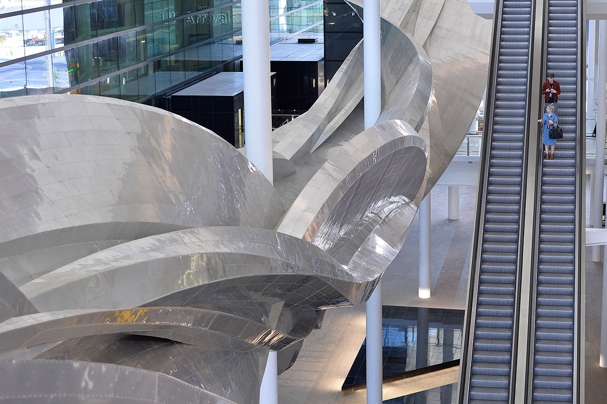 sculptuer escalator