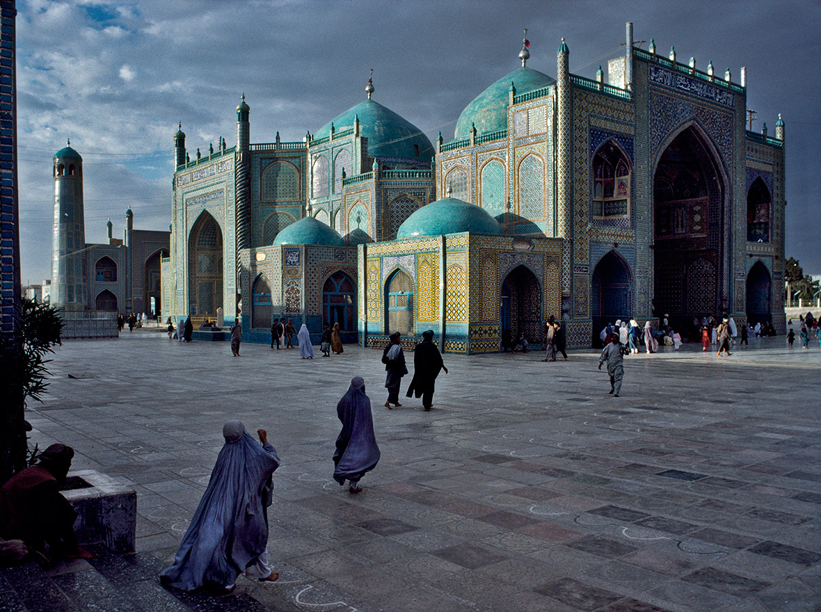 Salat at Blue Mosque in Mazar-e-Sharif, 1992