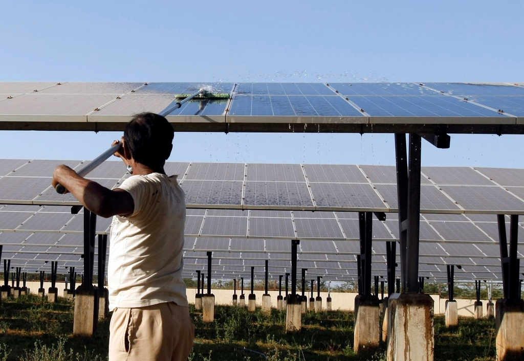 Environmental Groups Want US to Drop Solar Trade Case Against India