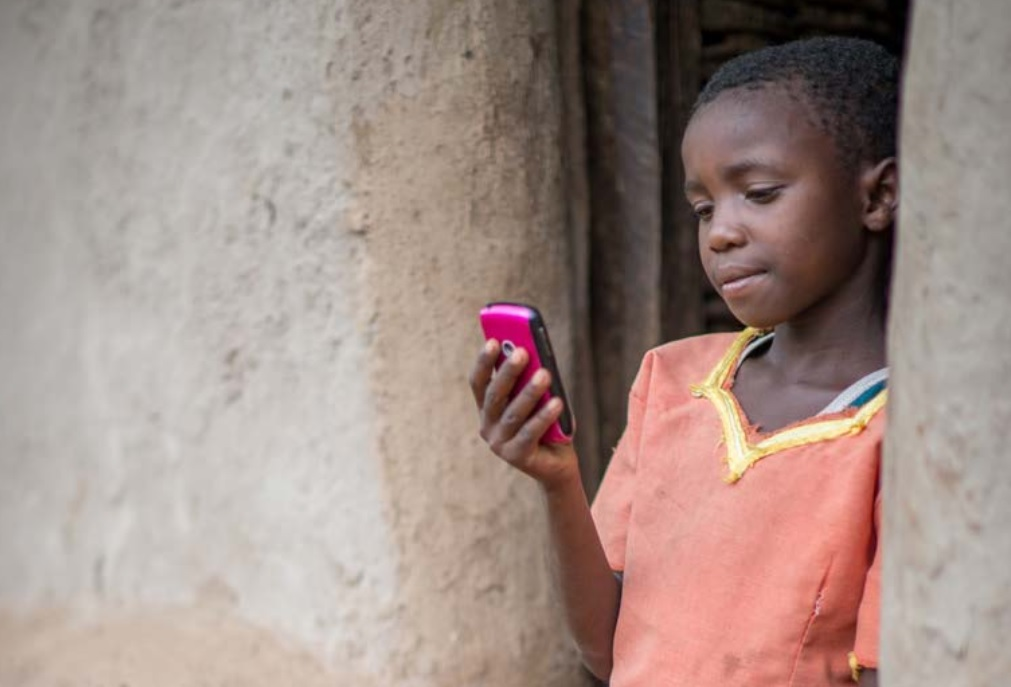 Mobile Phones Create 'Reading Revolution' in Developing Countries