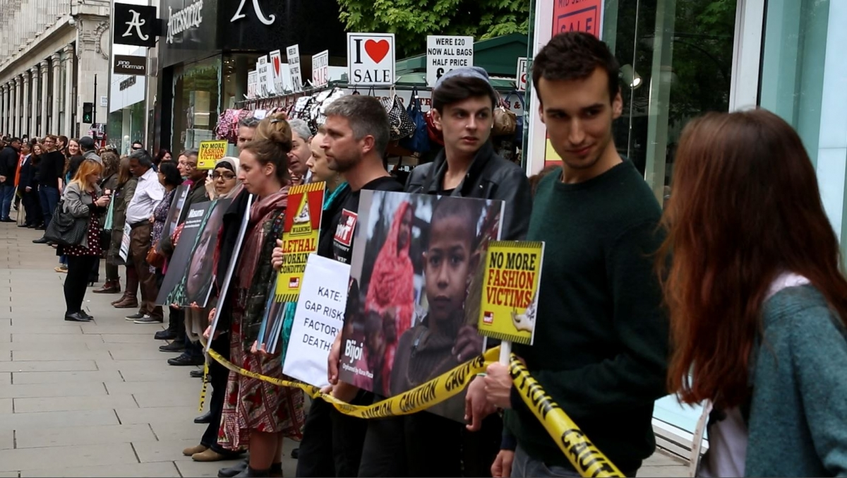 Rana Plaza Disaster: Activists form human chain in Oxford Street's Gap Shop