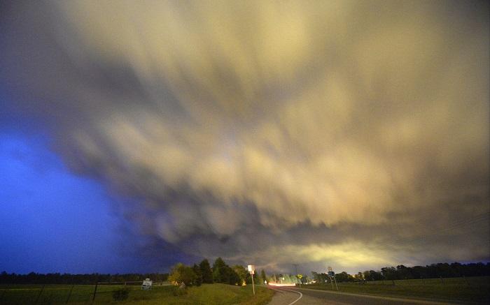 Low-level thunderstorm passes over Hampton, Arkansas in April 2014.