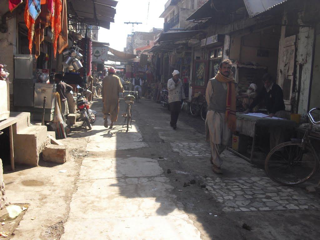 The main bazaar in Sharpur City. (Bilal Qazi)