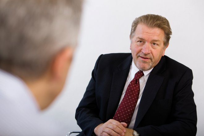 BG Group Shares Plunge on CEO Chris Finlayson Resignation and Egypt Crisis