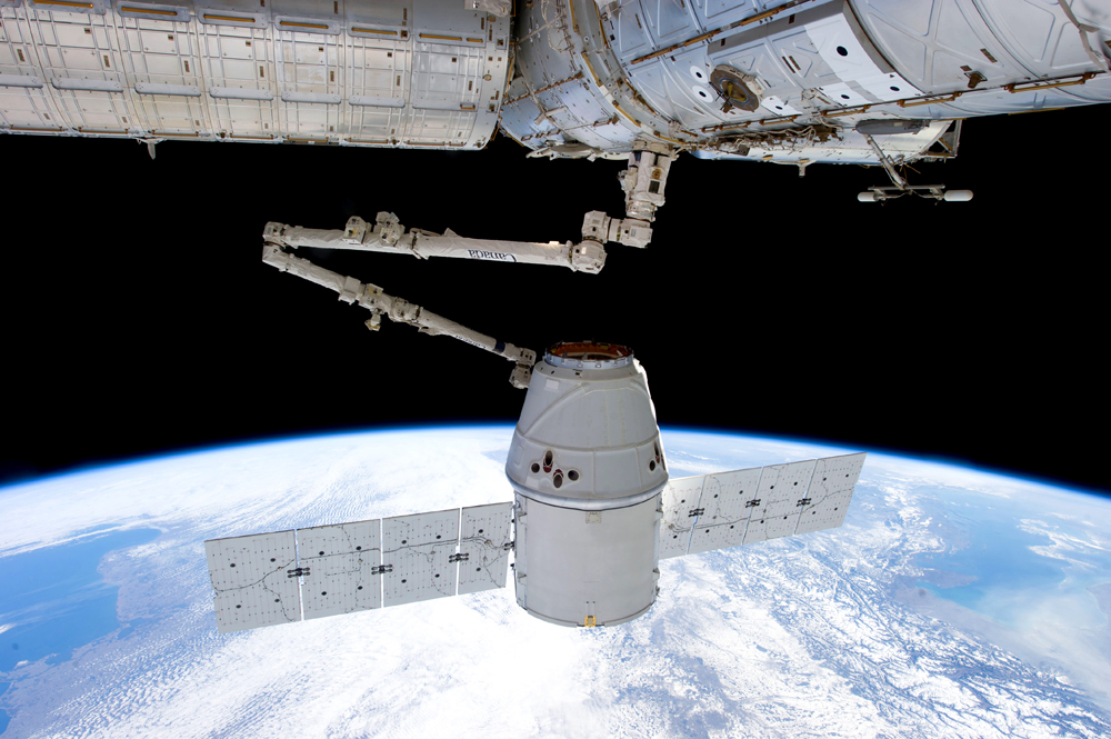 The Dragon capsule transporting the experiment of the University of Zurich to the ISS