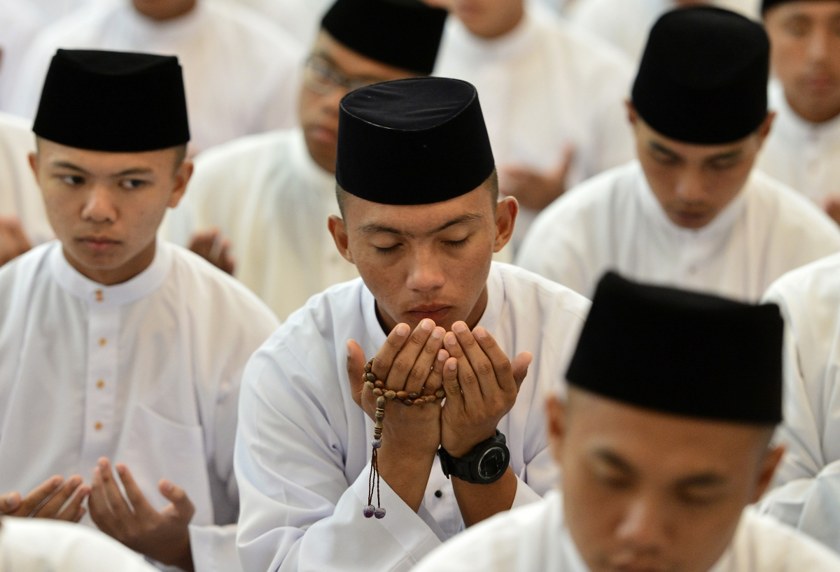 Brunei implements Sharia law