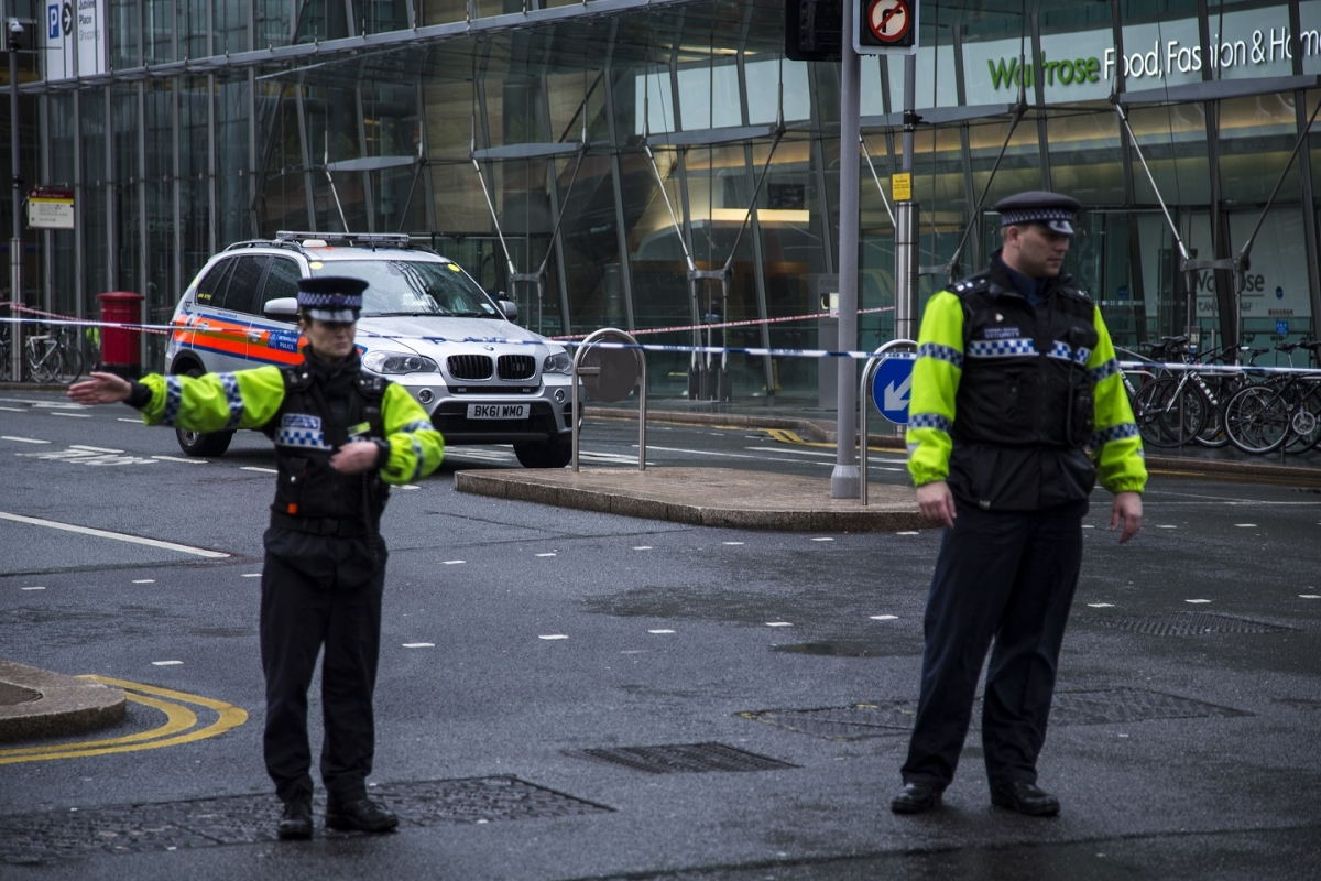 Security Alarm Now >> Canary Wharf Bomb Alert: Controlled Explosion of ...
