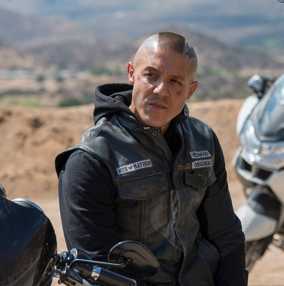 Is there nudity in sons of anarchy