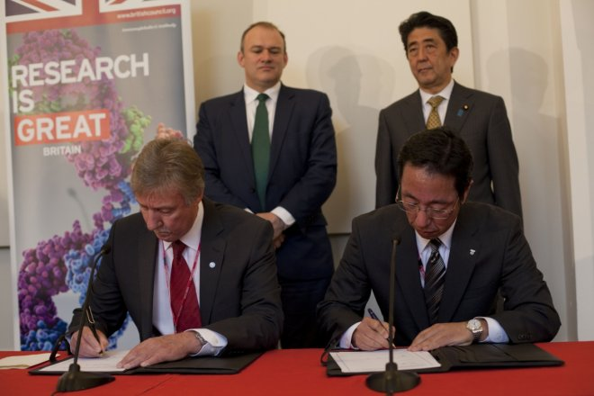 Sellafield and Tepco representative sign information sharing agreement