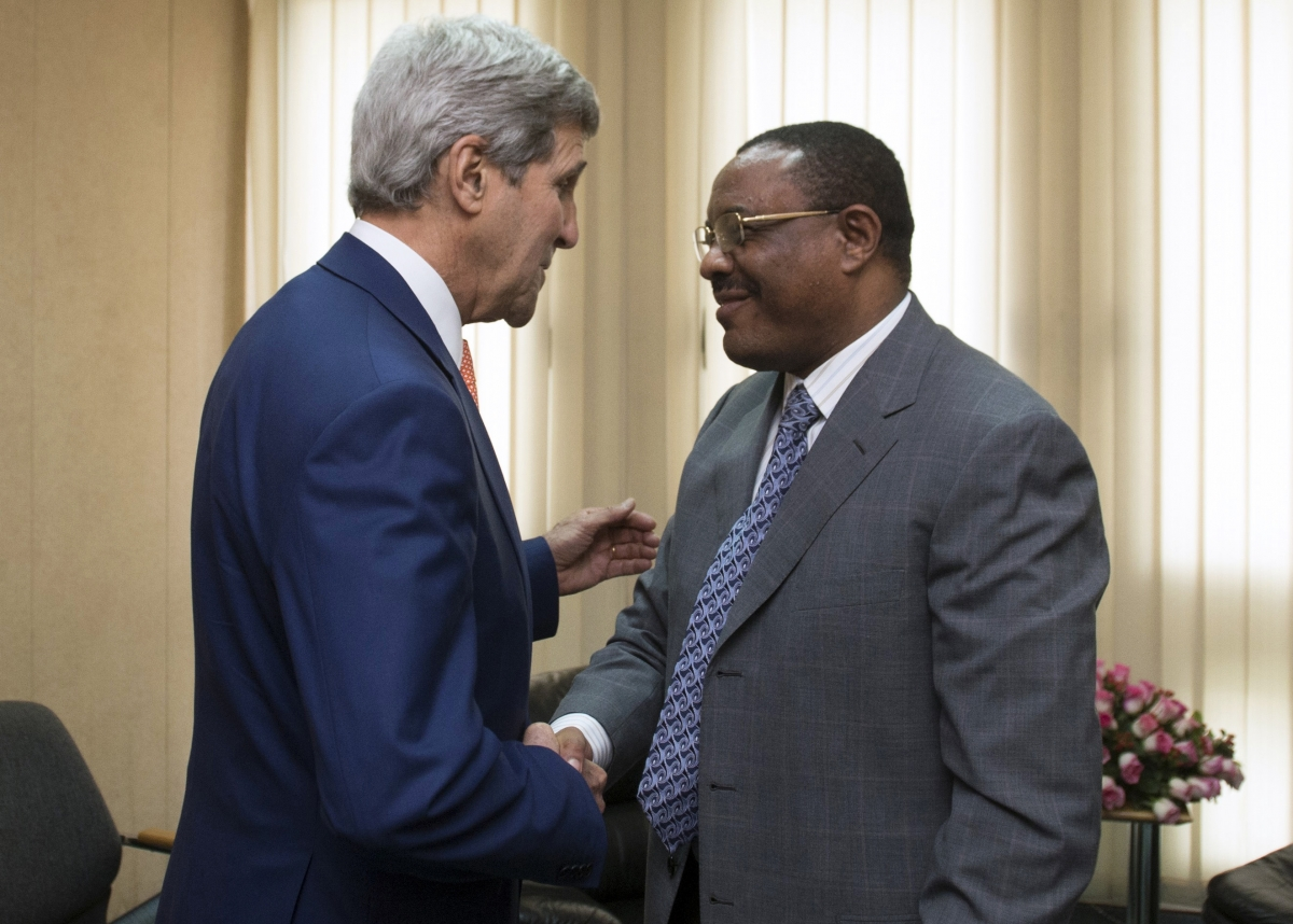 Ethiopian Prime Minister Hailemariam Desalegn (R) shakes hands with U.S. Secretary of State John Kerry before meetings held at the United Nations Economic Commission for Africa