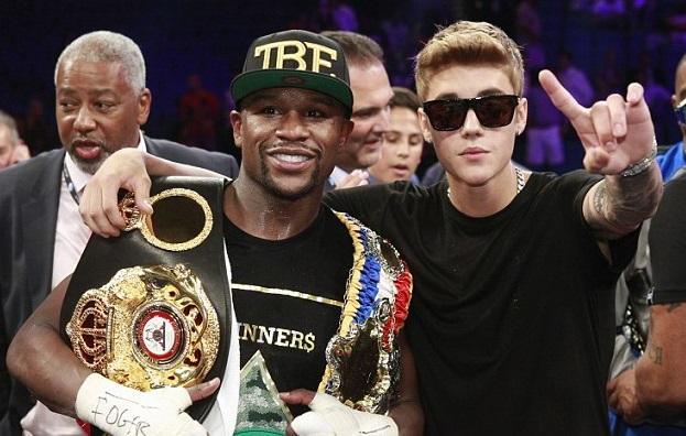 Justin Bieber with world champion boxer Floyd Mayweather
