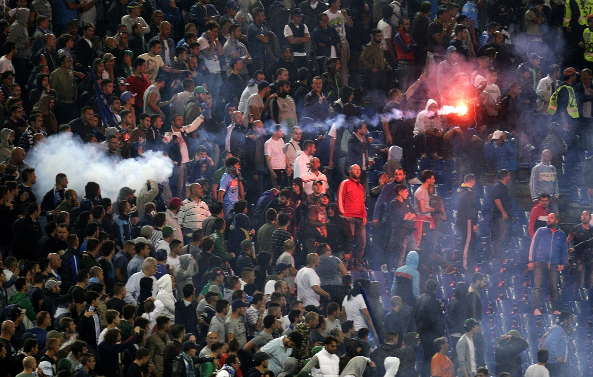 Football fans clash in Rome