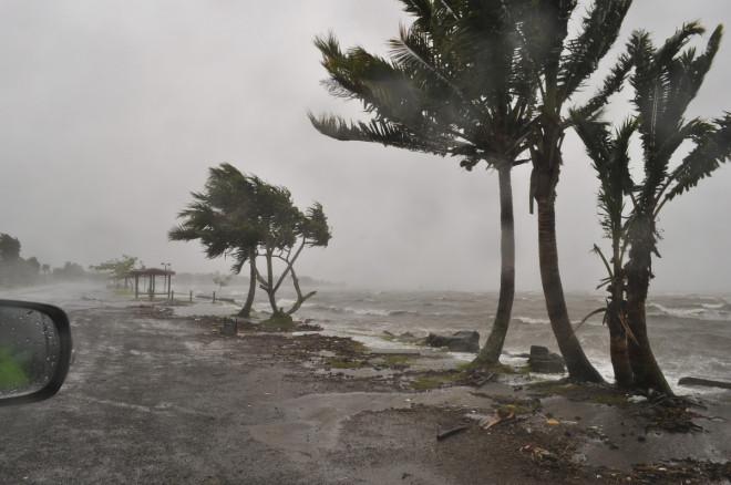 Cyclone Evan hits Suva, Fiji, in 2012.