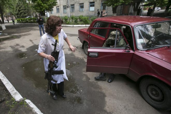 injured pro-Russian Slaviansk