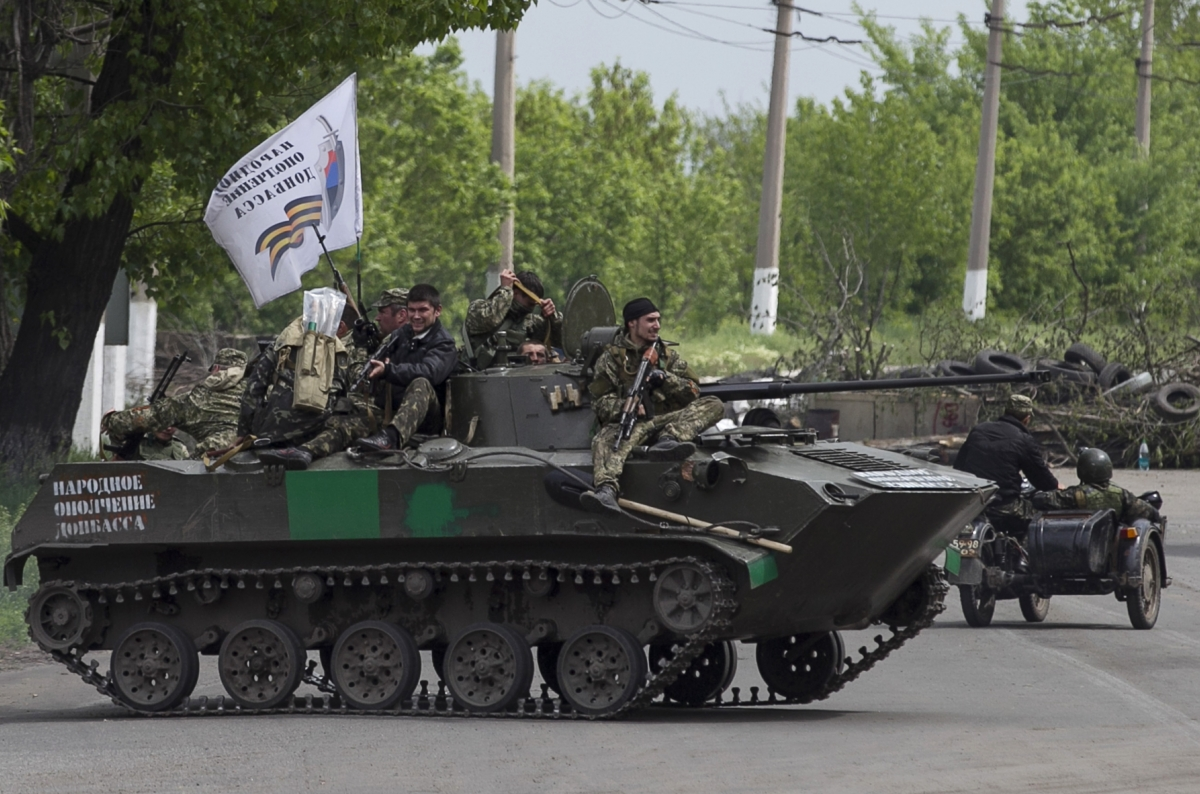 pro-Russians patrol Slavyansk