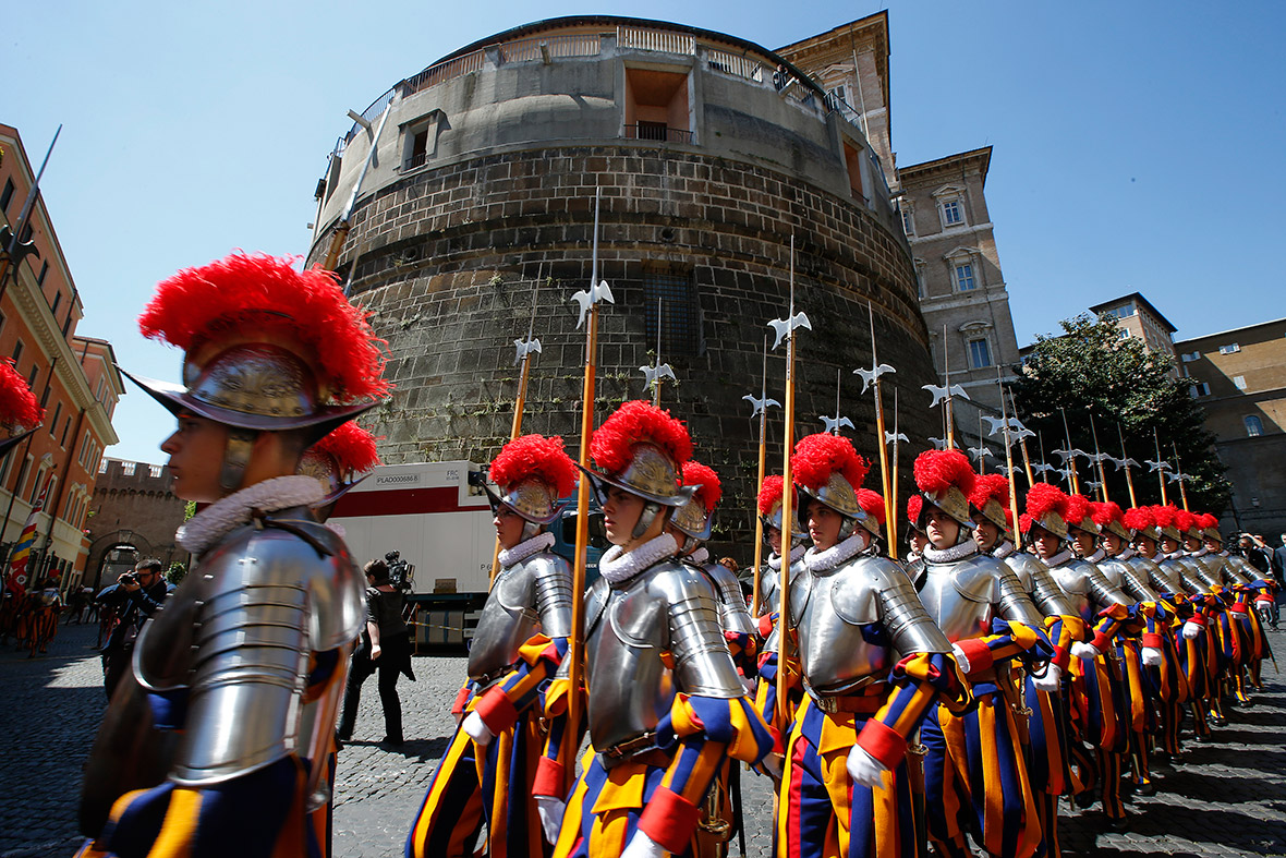 pope swiss guard