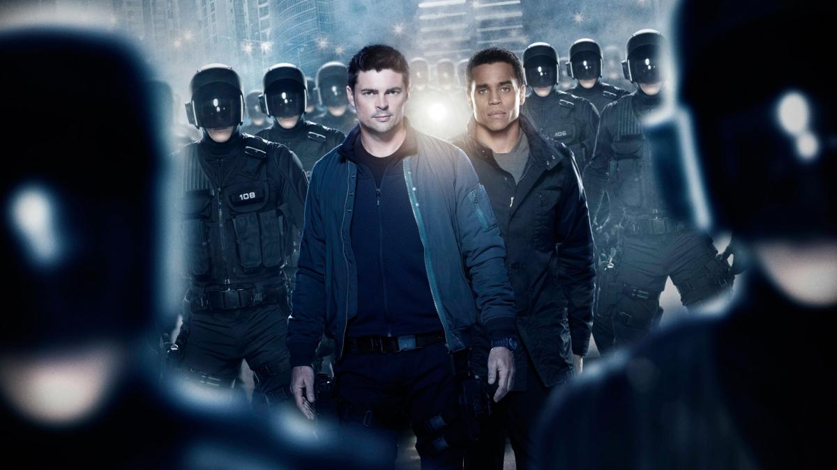 Almost Human - Karl Urban stars as a troubled detective with an android robot for a partner