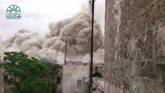 Syrian Rebels Destroy Aleppo Hotel Used by Army