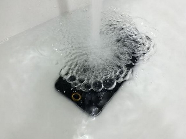 iPhone 6 water proof