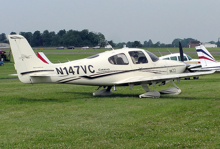 The Cirrus SR22 aircraft crash landed after the pilot deployed its safety parachute following engine failure at 4,000ft.