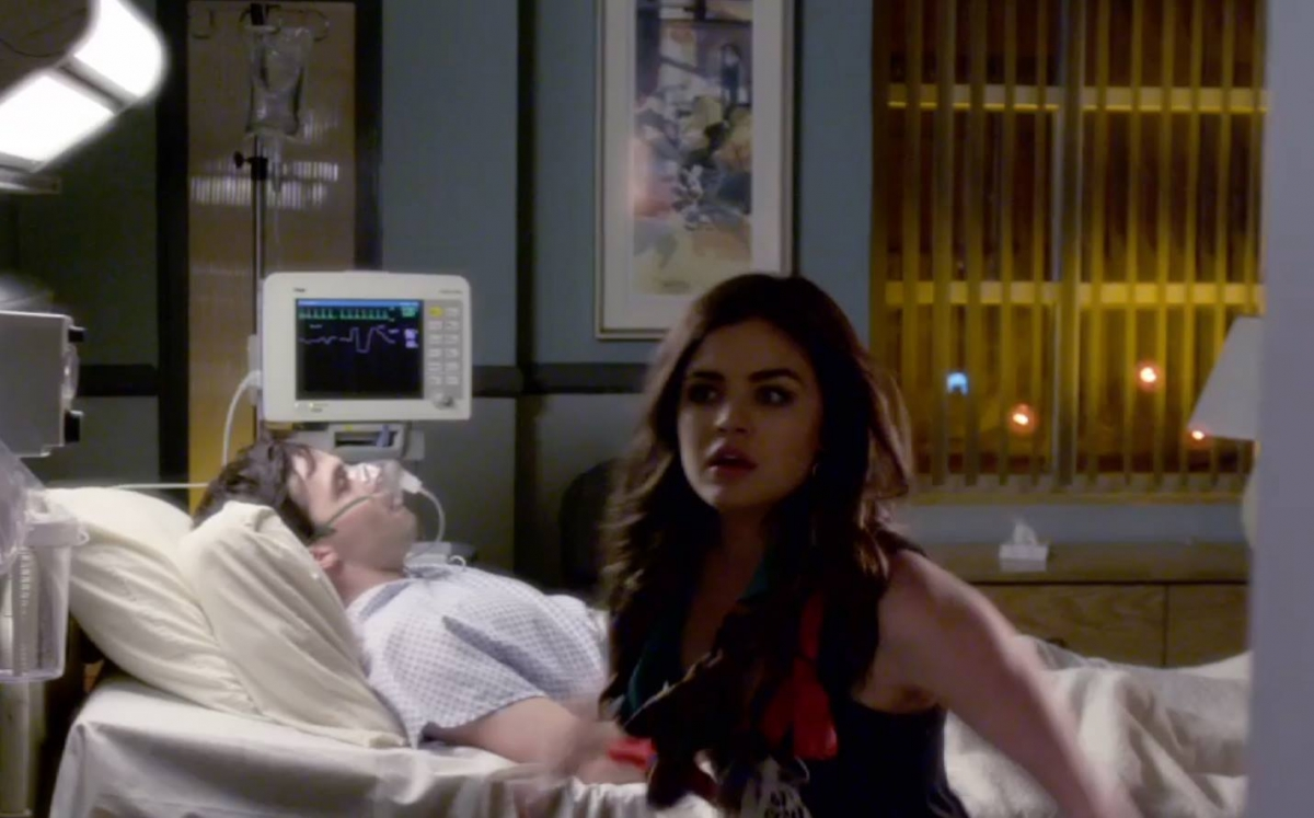 Pretty Little Liars Season 5 Spoilers: Will Ezra reveal the Identity of 'A' before the Liars?