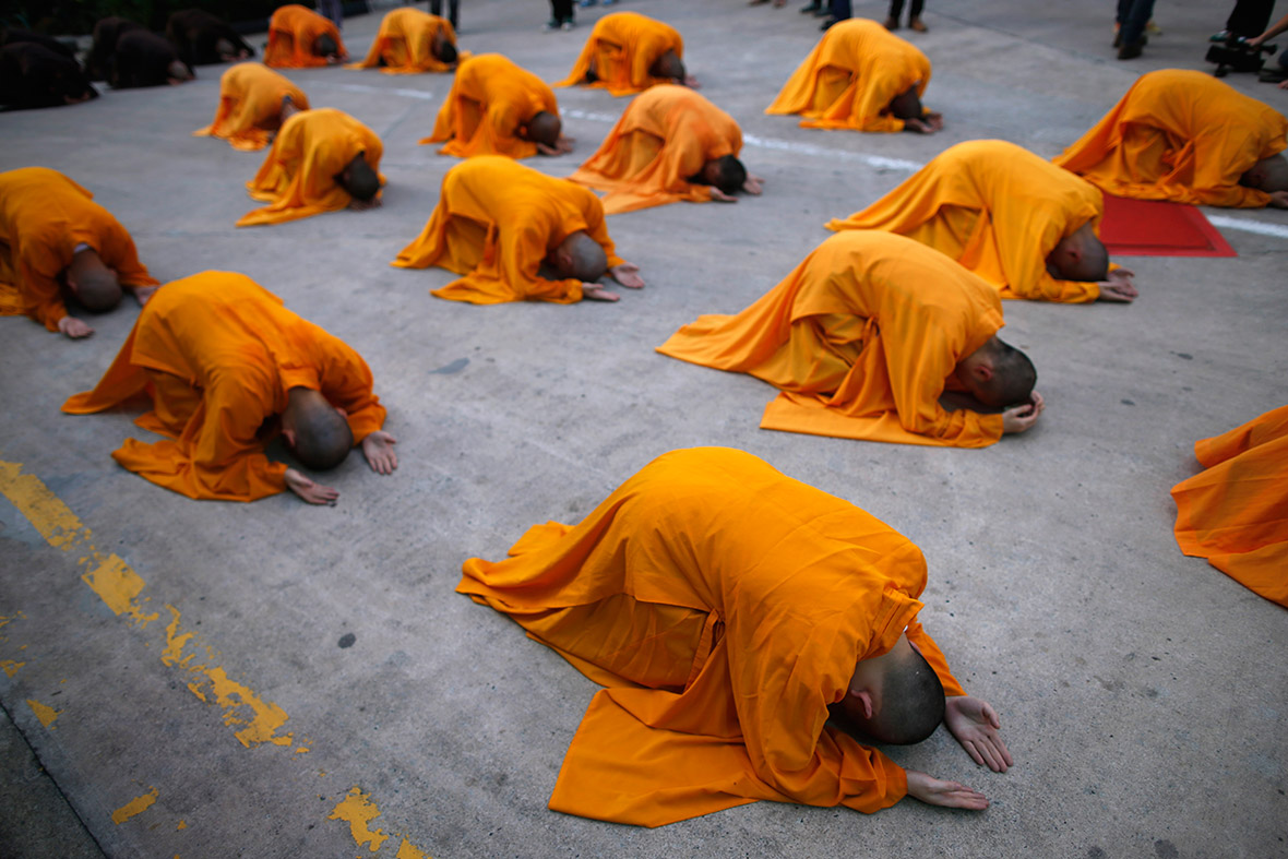 singapore monks