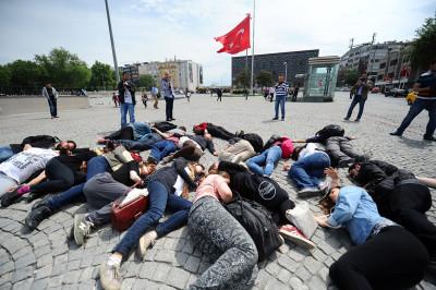 istanbul lying down