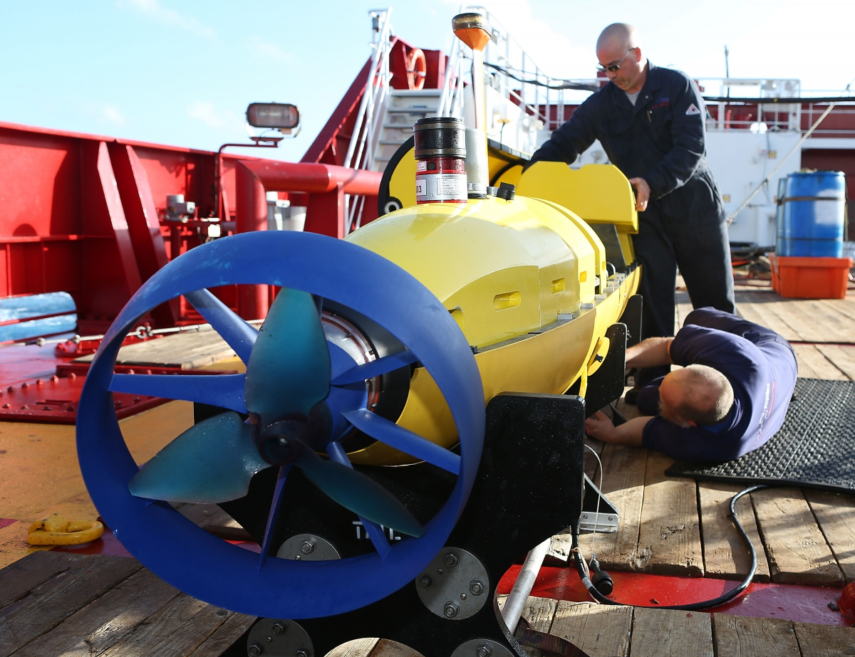 Autonomous Underwater Vehicle, named Bluefin-21, has broken down while searching forflight MH370 in the Indian Ocean