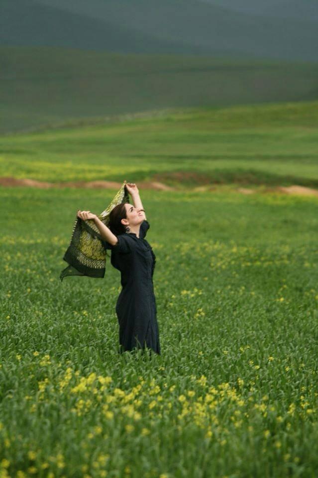 Woman without hiajb