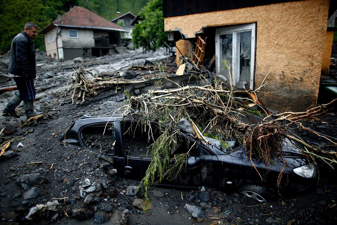 bosnia black car