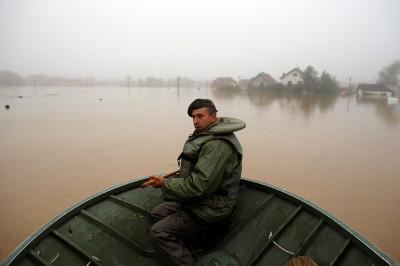 serbia army boat