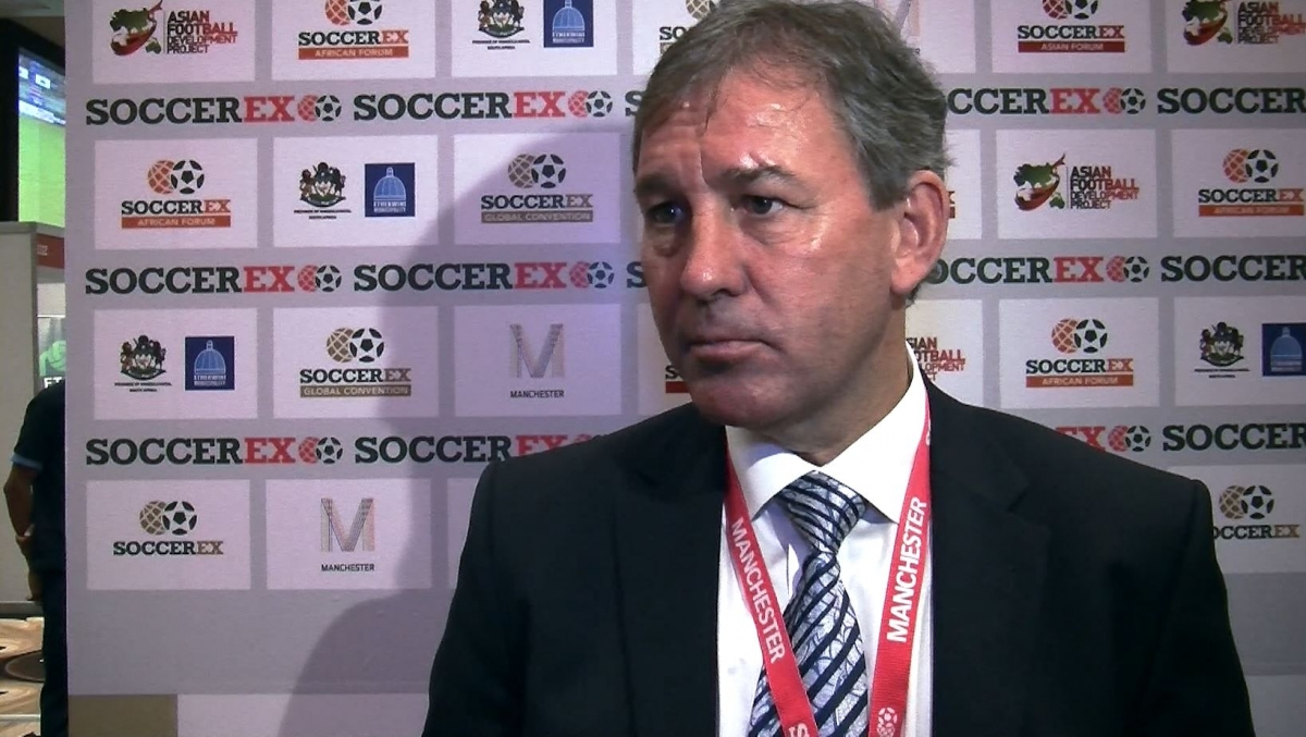 Bryan Robson: Louis van Gaal a Good Move by Manchester United