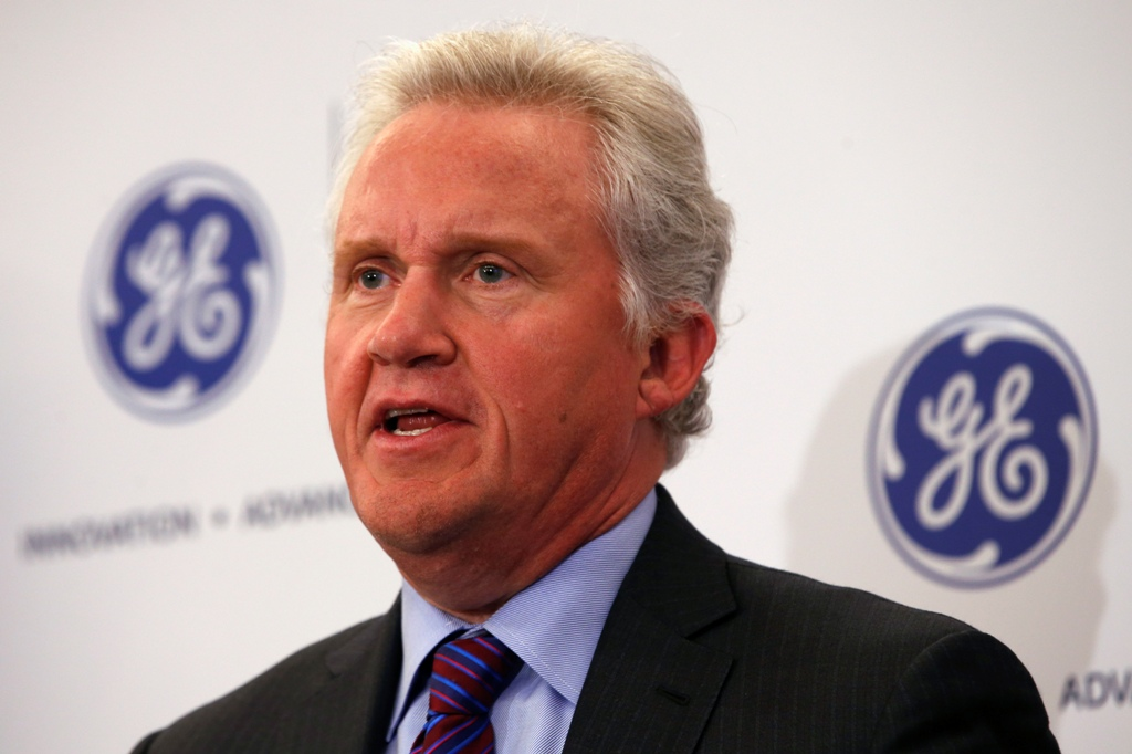 ge jeff immelt Case 22 j eff immelt and the new general electric when jeff immelt got up to welcome shareholders to general electric company's annual general meeting in oklahoma city on april 22, 2015, it was the 14th annual general meeting of the company he had presided over since his appointment as chairman and ceo in 2001.