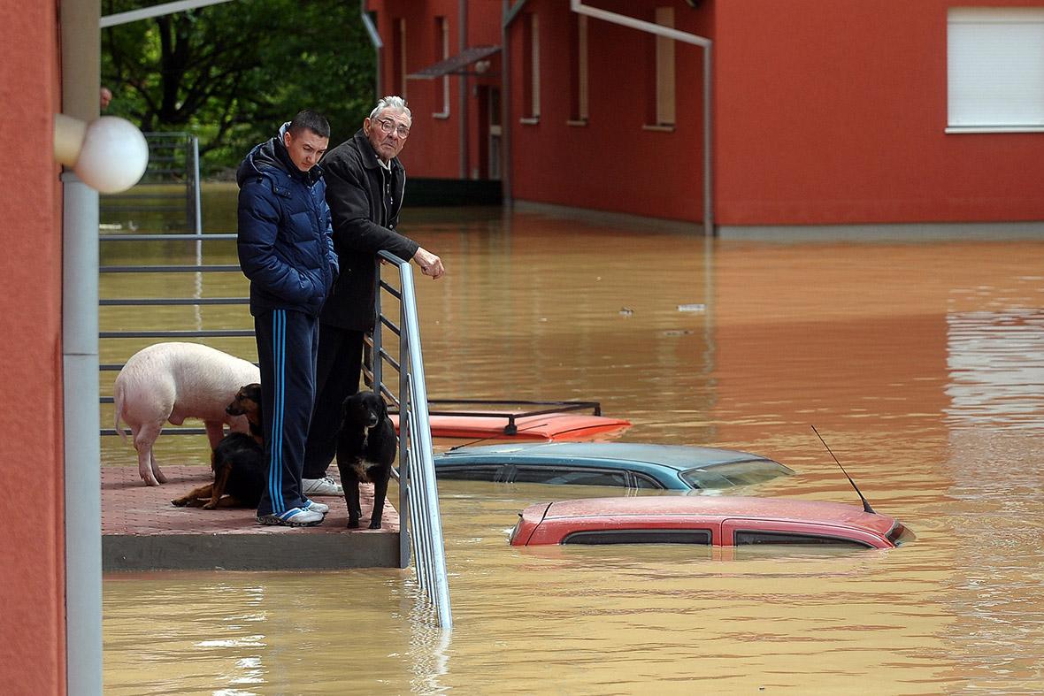 floods cars