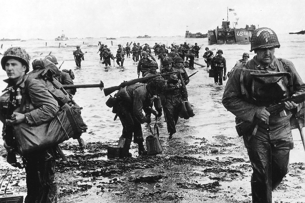 the details of the amphibious landings in normandy on d day in 1944 Commemorate the heroic soldiers who participated in the 1944 d-day landings normandy in the late evening (b,l,d) amphibious landings in the early hours of d.