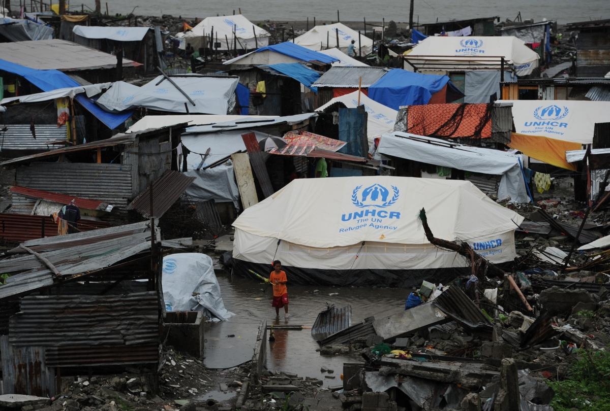 Tacloban Typhoon Haiyan Fire Kills Mother and five Children