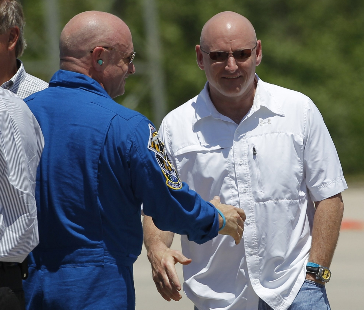 Mark and Scott Kelly astronauts