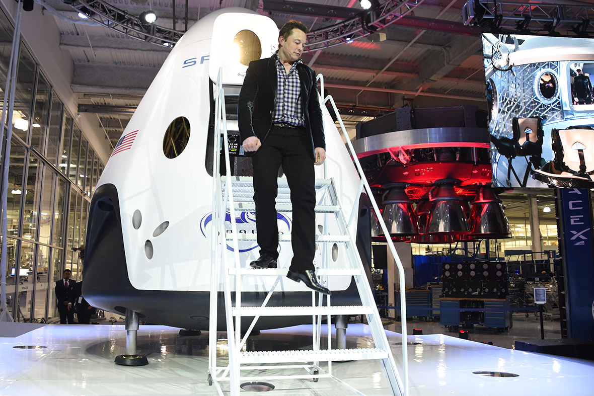Elon Musk SpaceX Dragon V2