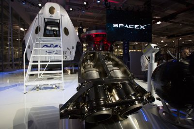 Elon Musk SpaceX Dragon V2 engines