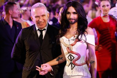 life ball conchita