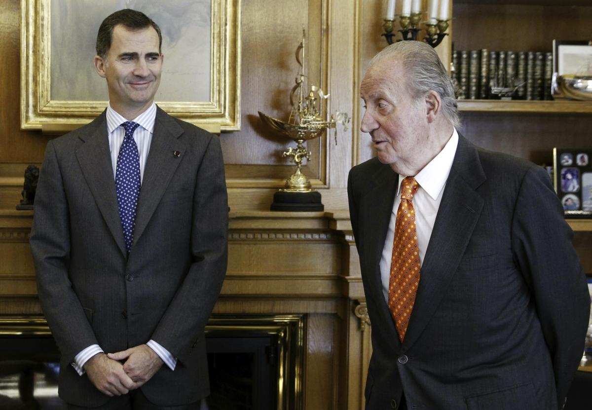 Spain's King Juan Carlos abdicates Crown Prince Felipe